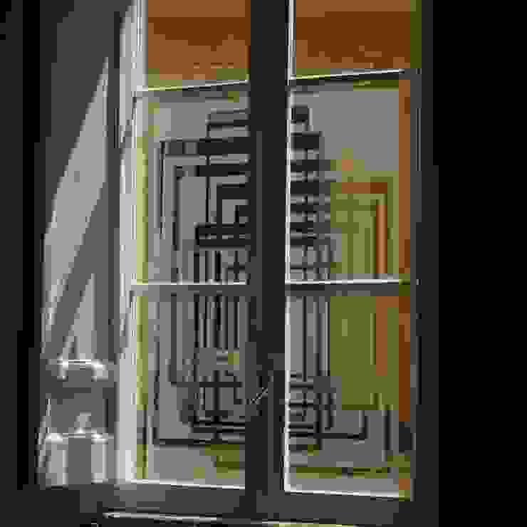 Pellicola sagomata sulle finestre Soggiorno moderno di Quid divinum design Moderno