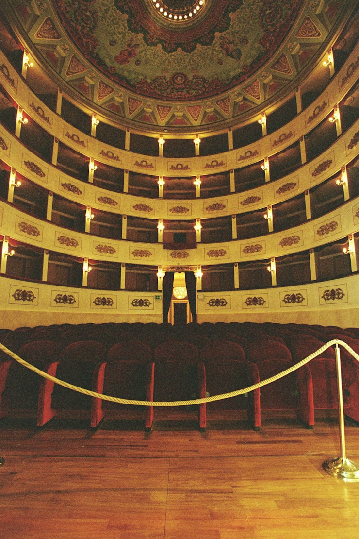 Restauro del teatro di Recanati di gavioli restauri Classico