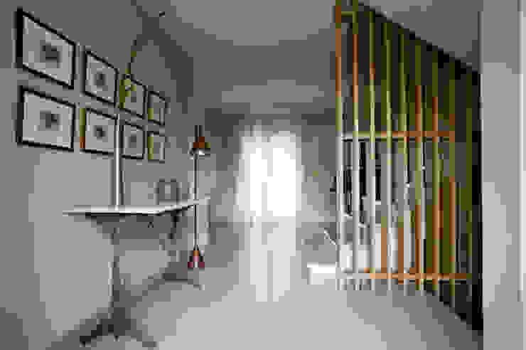 A74. CASA. BONBA studio Balcones y terrazas de estilo clásico