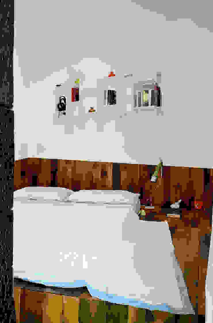 Dormitorios de estilo industrial de Massimo Adiansi Architetto Industrial