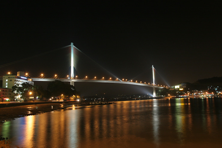 Bai Chay Bridge の Nakajima Tatsuoki Lighting Design Laboratory Inc.