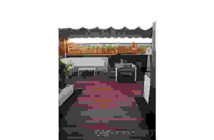 Varandas, alpendres e terraços modernos por Ideas Interiorismo Exclusivo, SLU Moderno