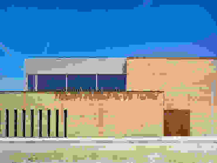 PISCINA CLIMATIZADA CUBIERTA EN TORO, ZAMORA de Vier Arquitectos
