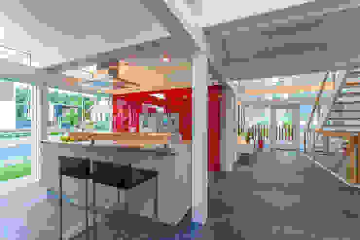 Modern Kitchen by HUF HAUS GmbH u. Co. KG Modern