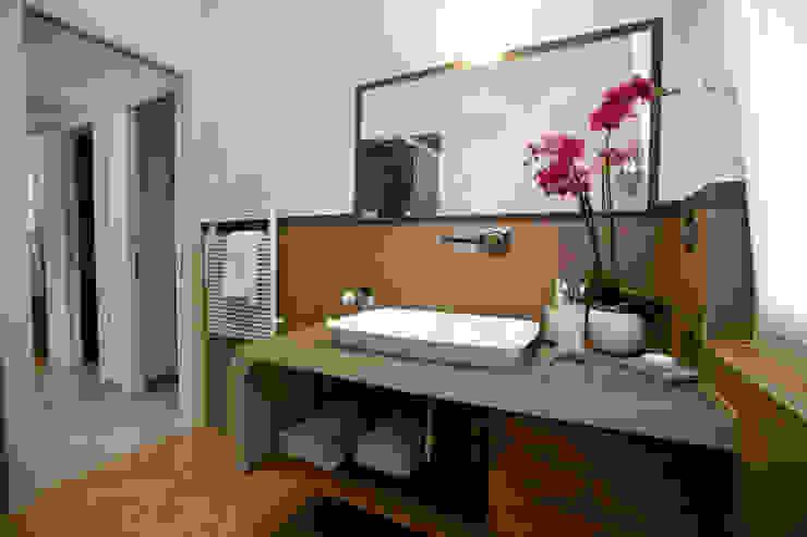 Studio_P - Luca Porcu Design Minimalist style bathroom