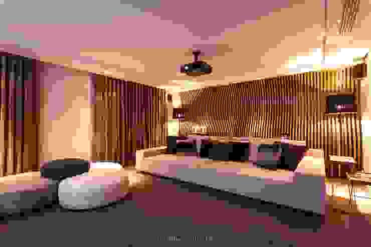 Apartamento Hi-Tech Casas por MarchettiBonetti+