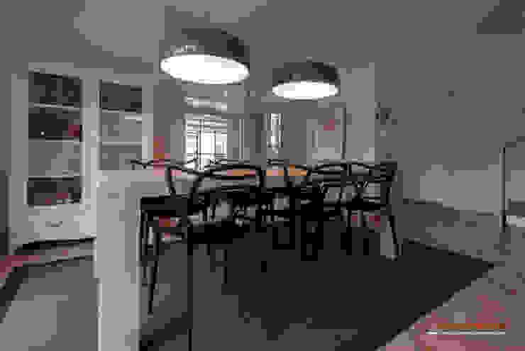 Comedor Casas de estilo moderno de Trestrastos Moderno