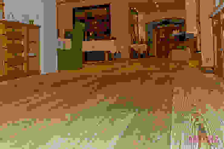 Tyrolhotel – St. Anton am Arlberg von altholz, Baumgartner & Co GmbH Landhaus