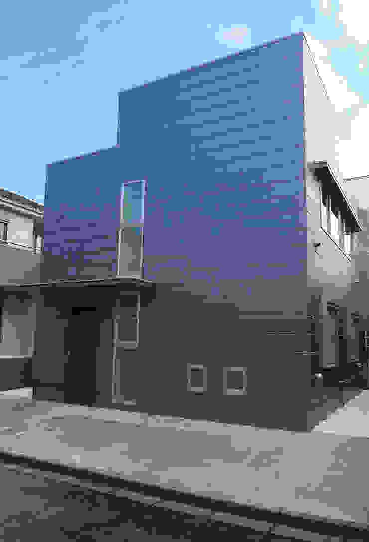 Nhà phong cách tối giản bởi 桑原建築設計室 Tối giản