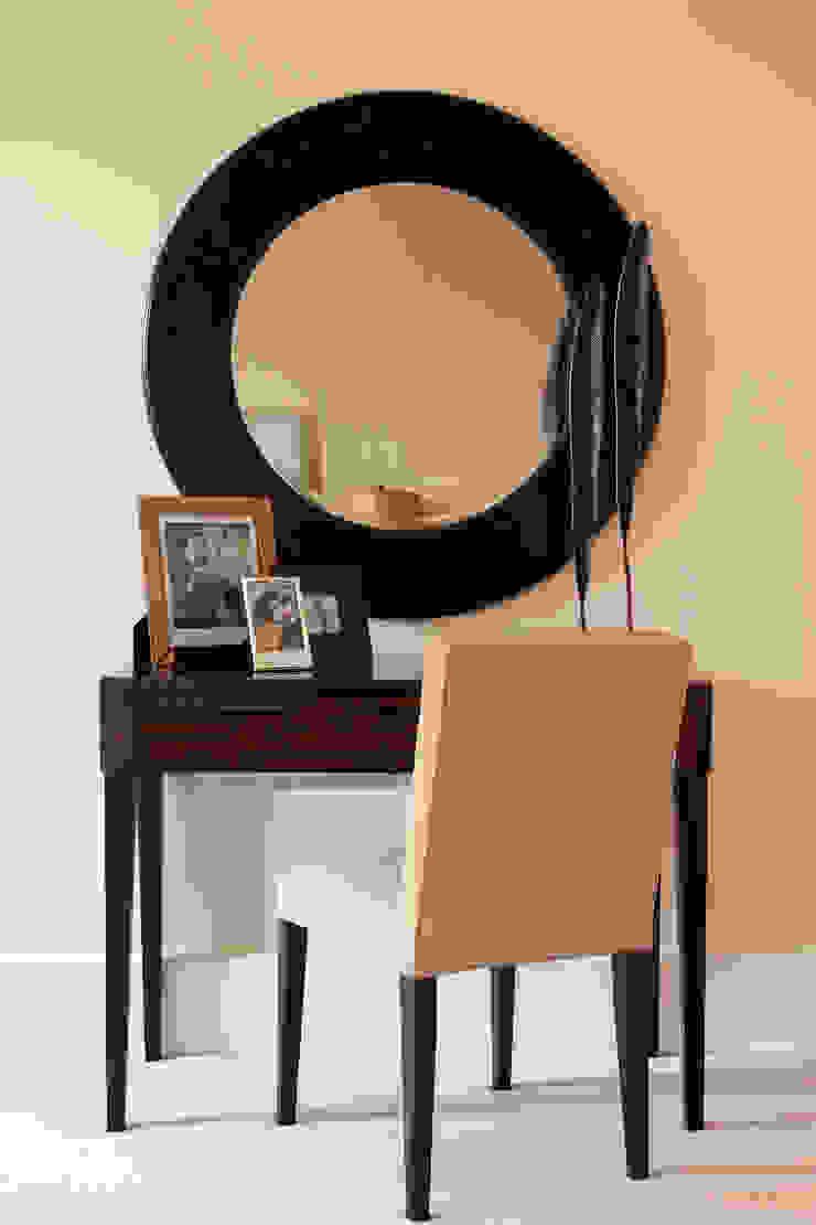 Furniture Modern style bedroom by Roselind Wilson Design Modern