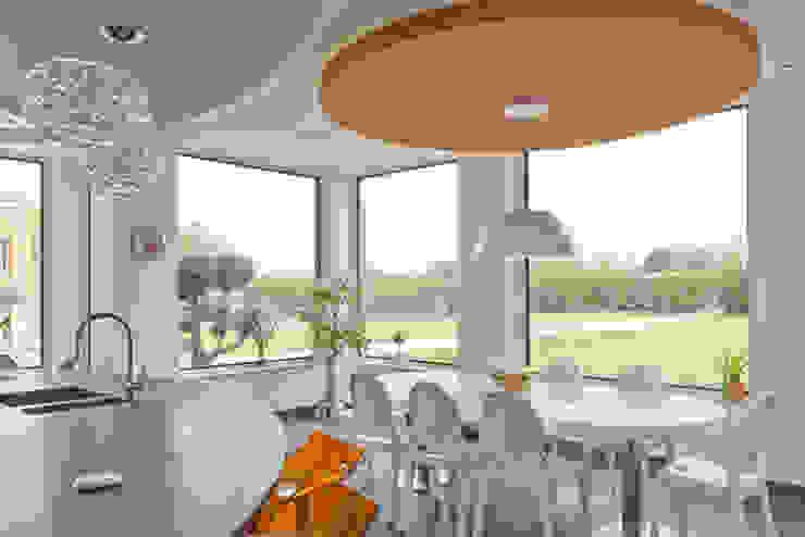 modern  by Architectural Bronze Ltd, Modern Metal