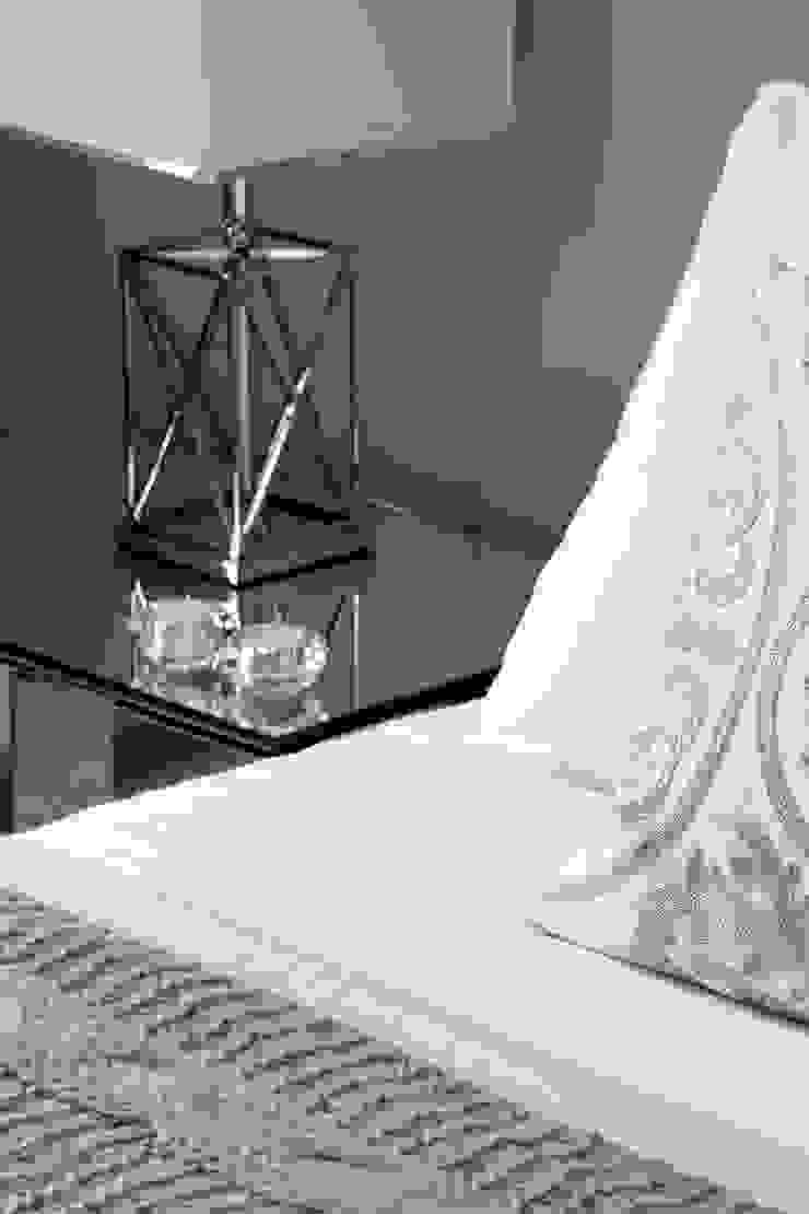Details Modern style bedroom by Roselind Wilson Design Modern