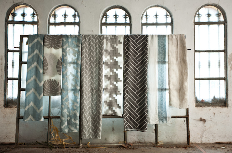 Valryia Collection by James Malone: modern  by AVOREZ | Exclusive UK Distributor, Modern