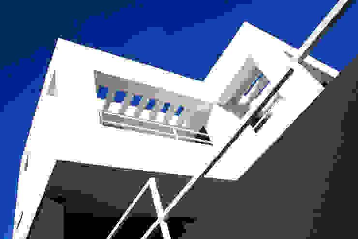 VIVIENDA UNIFAMILIAR AISLADA EN <q>VIÑAS DE SON VERÍ</q>, MALLORCA Casas de estilo moderno de JAIME SALVÁ, Arquitectura & Interiorismo Moderno