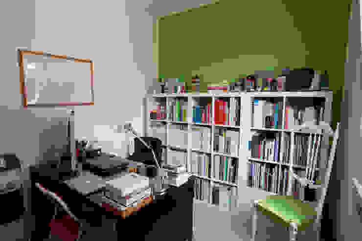 Studeerkamer/kantoor door Studio_P - Luca Porcu Design,