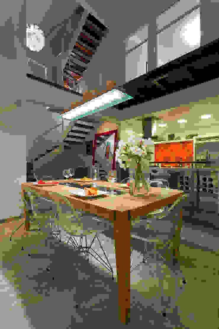 Residência Condomínio Village Porto da Lagoa por Mantovani e Rita Arquitetura Moderno