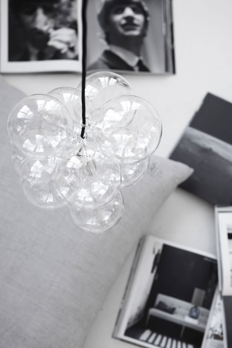 Cluster pendant light by House Doctor de An Artful Life Moderno