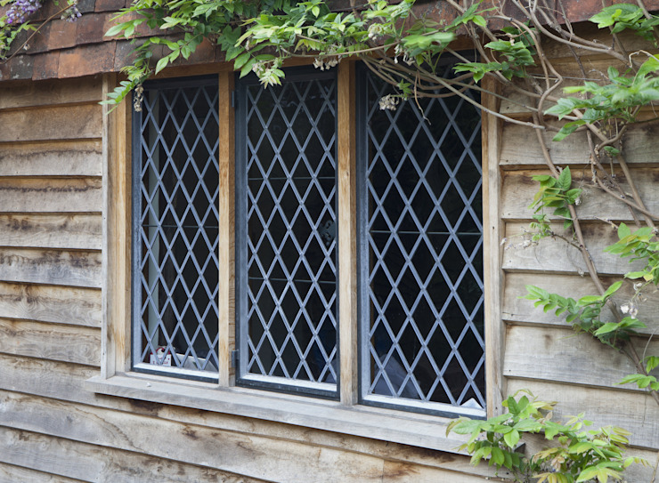 Traditional Diamond Leaded Heritage Bronze Casements Architectural Bronze Ltd Finestre & PortePorte Metallo Nero