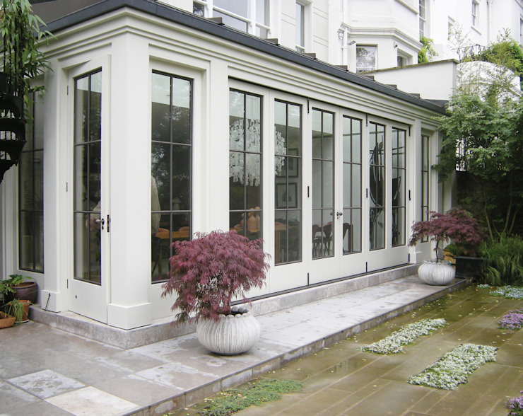 Orangery with Timber and Bronze Doors Architectural Bronze Ltd Finestre & PortePorte Metallo Bianco