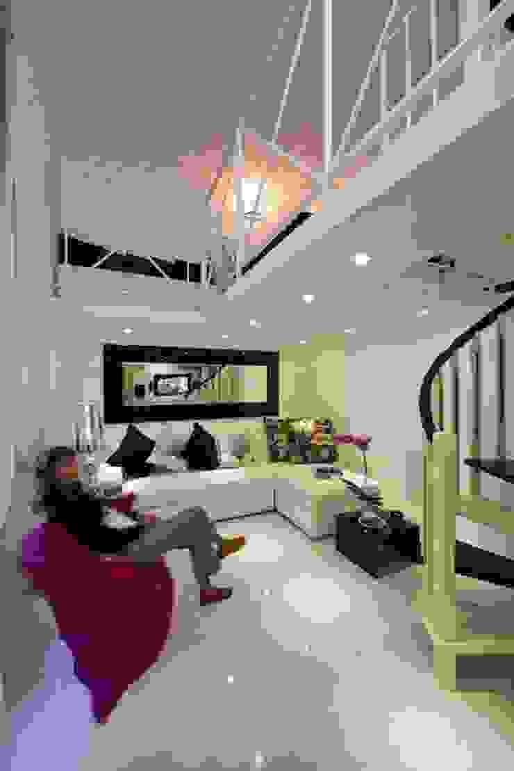 Living Area Case moderne di Pavart SRL Moderno