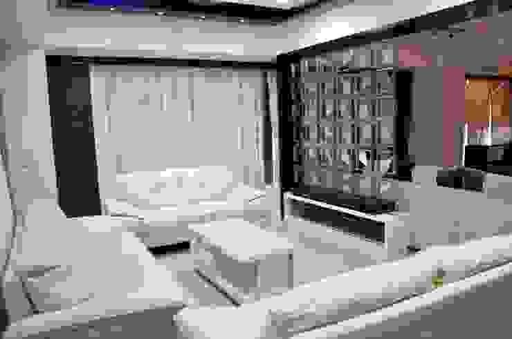 Living Room Modern living room by malvigajjar Modern