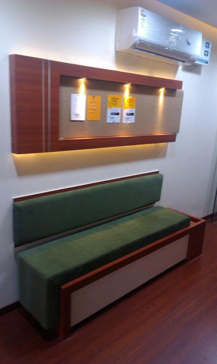 DRONA PHYSIOTHERAPY: modern  by ArchiDes,Modern
