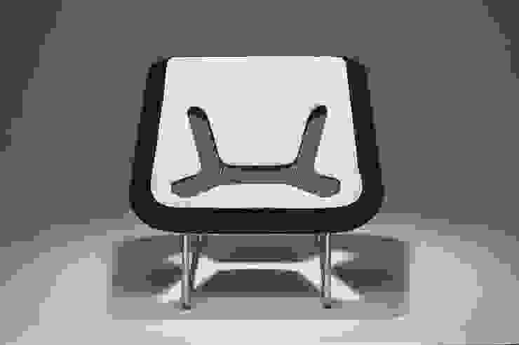 KOXY chair di Jan Ctvrtnik