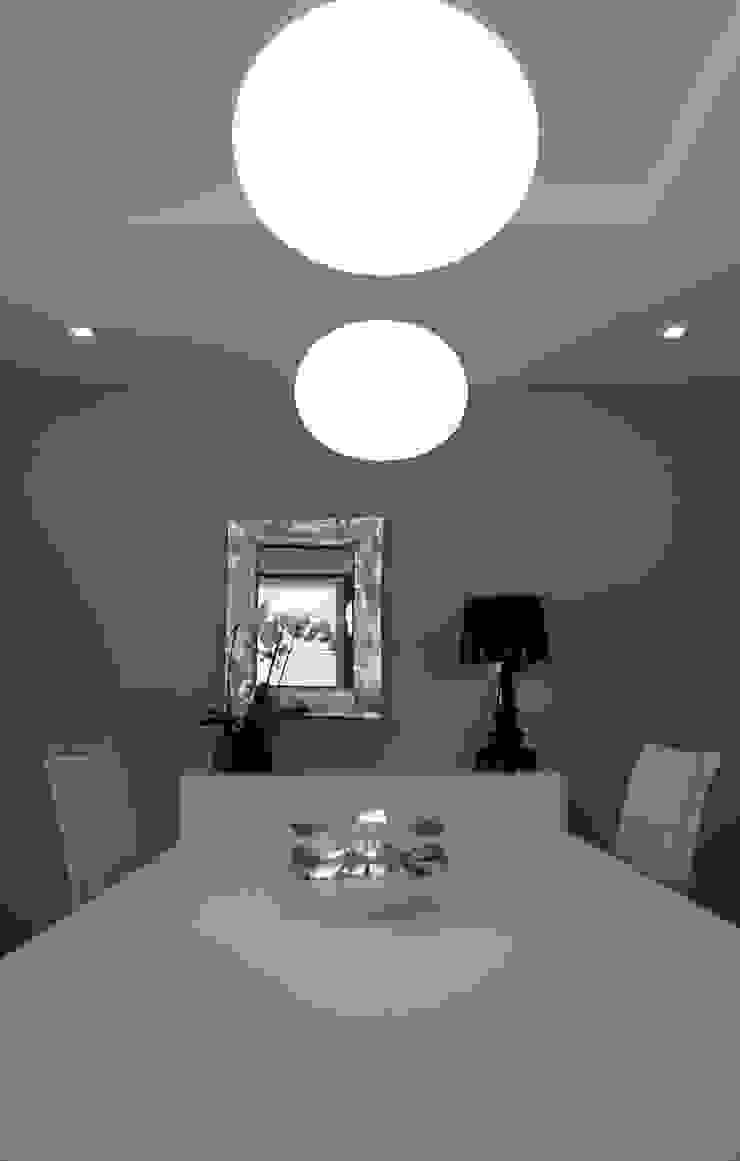 Casa GO Sala da pranzo moderna di Pier Maria Giordani Architetto Moderno