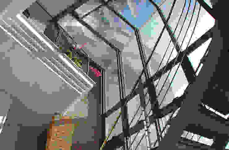 Scorci interni Ingresso, Corridoio & Scale in stile moderno di MARTINI RUGGERI & PARTNERS Moderno