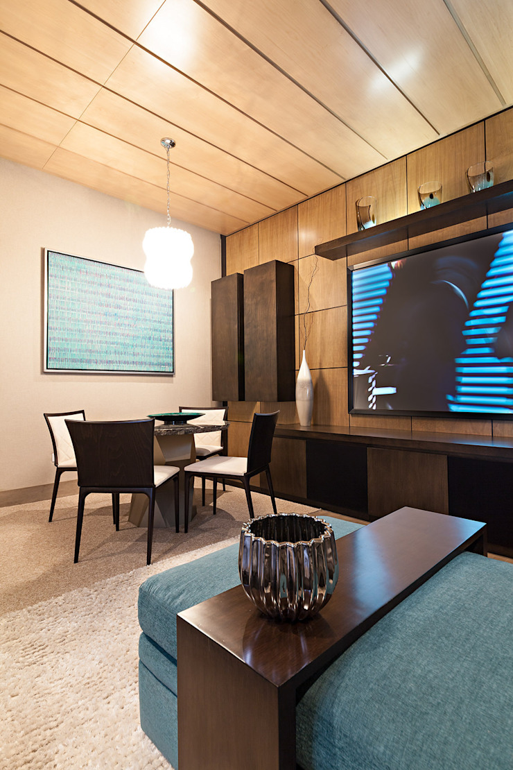 Modern Dining Room by ARQUIPLAN Modern Wood-Plastic Composite