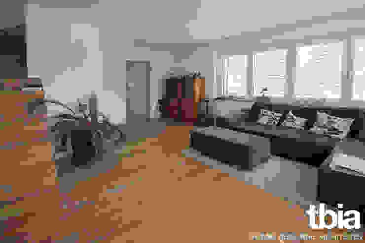 Wohnzimmer Moderne Wohnzimmer von tbia - Thomas Bieber InnenArchitekten Modern
