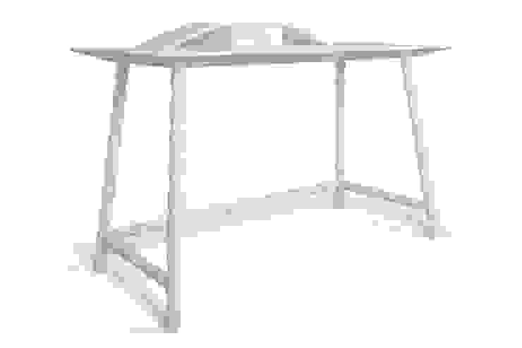 Journal desk: modern  by Barnard interiors Ltd, Modern