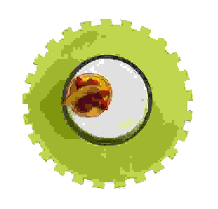 Petit Cakestand:  in stile industriale di MR.LESS & MRS.MORE , Industrial