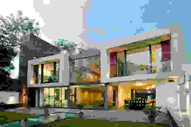 House V Serrano Monjaraz Arquitectos 모던스타일 주택