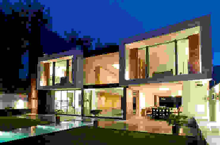 Casa V Casas modernas de Serrano Monjaraz Arquitectos Moderno