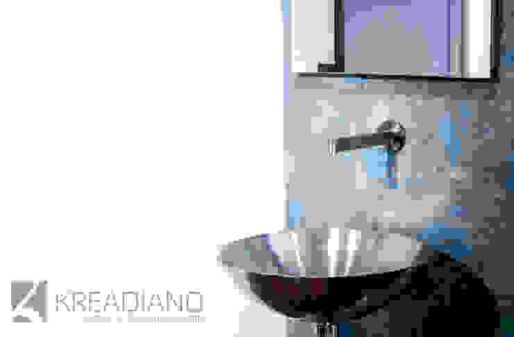 KREADIANO | Kalkdekorputz Antika Industriale Badezimmer von Kreadiano Industrial