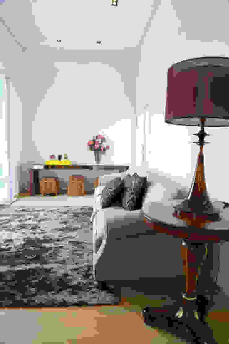Casa nova, bairro antigo Salas de estar campestres por Fernanda Chiebao- ARCHI Campestre