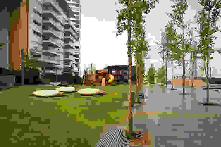 Jardines de estilo  por Serrano Monjaraz Arquitectos, Moderno