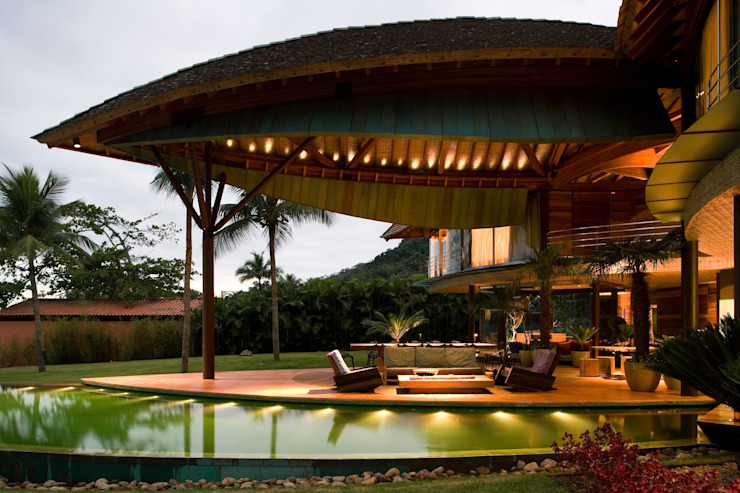 Terrazas de estilo  por Mareines+Patalano Arquitetura, Tropical