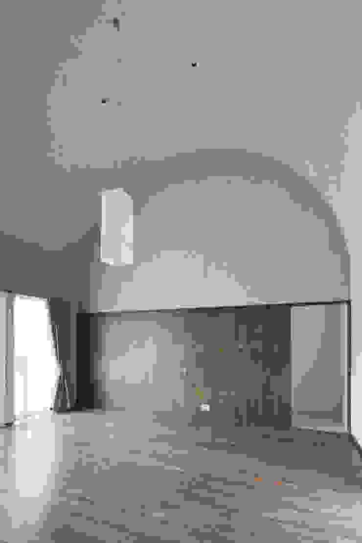 D-house living クラシックデザインの リビング の Ground Design Co,. Ltd. クラシック