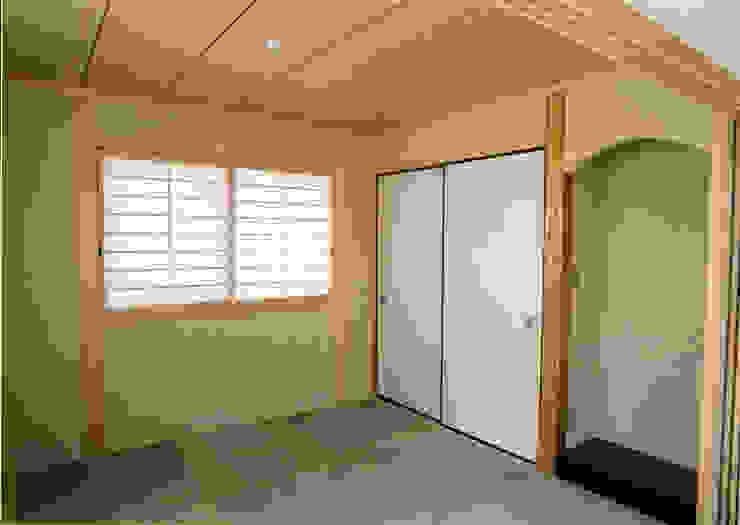 LDKに続く和室 和風デザインの 多目的室 の フォーチュン建築設計株式会社 和風
