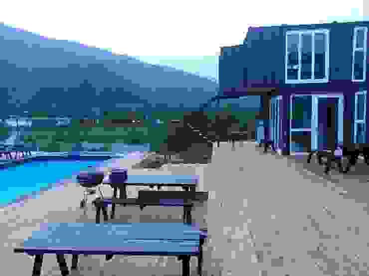 Modern balcony, veranda & terrace by 큐브디자인 건축사사무소 Modern