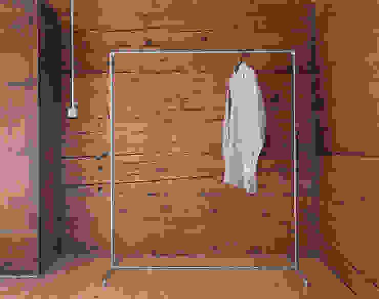 Kleiderständer: industriell  von Haus Riein,Industrial