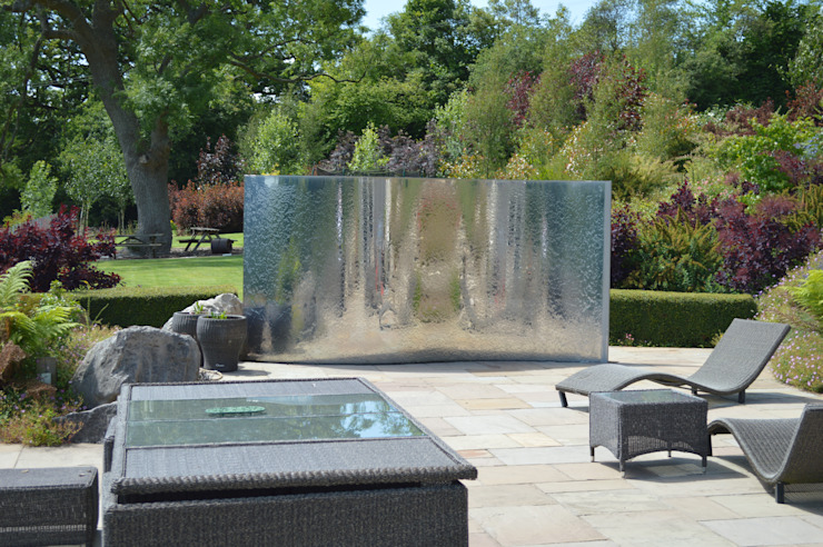 Stainless Steel Metal Water Feature Classic style garden by Unique Landscapes Classic