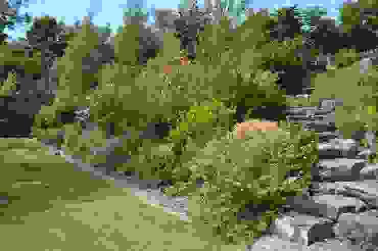 Large Terraced Garden Landelijke tuinen van Unique Landscapes Landelijk
