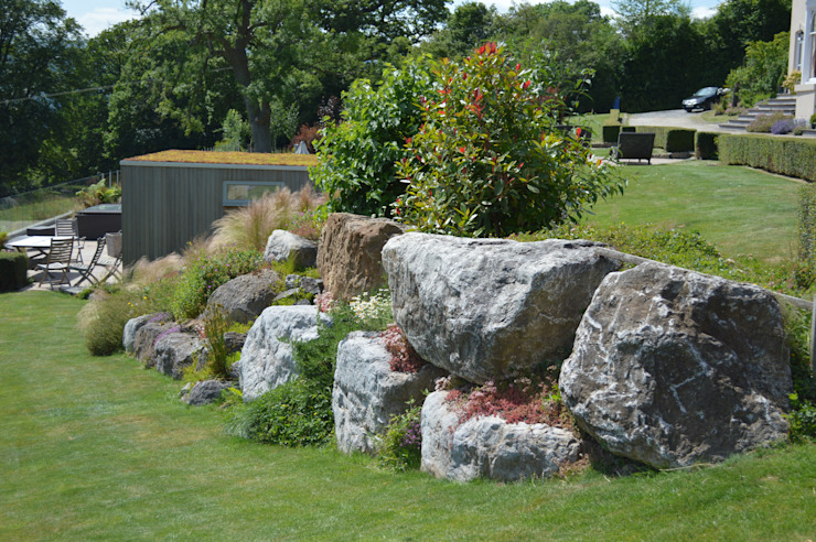 Boulders in the Garden Country style garden by Unique Landscapes Country