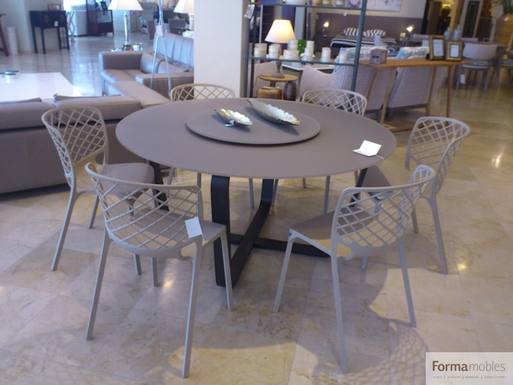 modern  by FORMA MOBLES, Modern