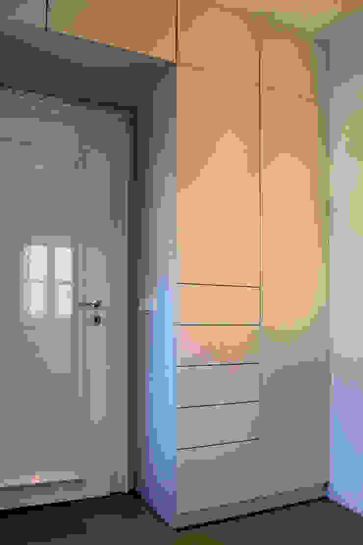 Bathroom tredup Design.Interiors Modern Dressing Room