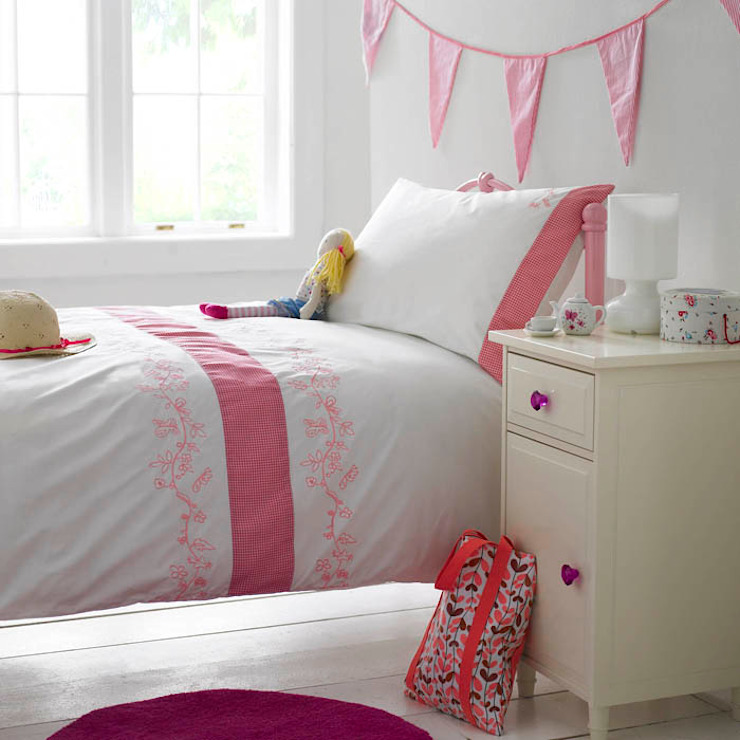Girl Kid's Bedroom by King of Cotton King of Cotton BedroomTextiles