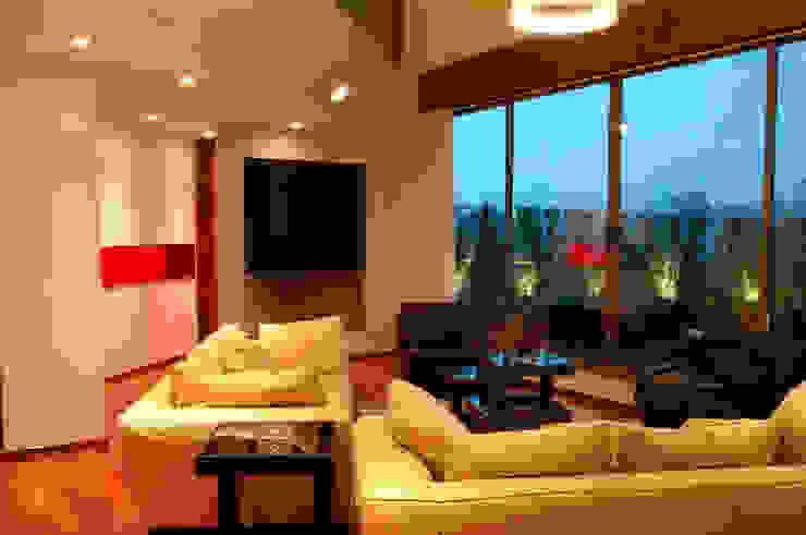 PH B Las Nubes Ruang keluarga: Ide desain interior, inspirasi & gambar Oleh ARCO Arquitectura Contemporánea